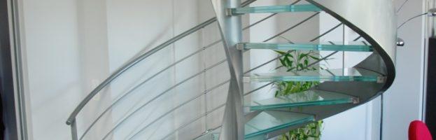 escalier-hélicoidal-marches-en-verre-02